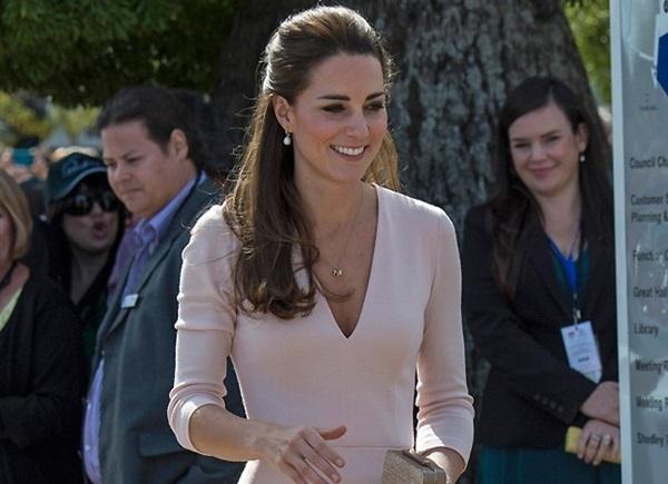saiba como funciona o armario da duquesa de cambridge kate middleton duquesa de cambridge kate middleton