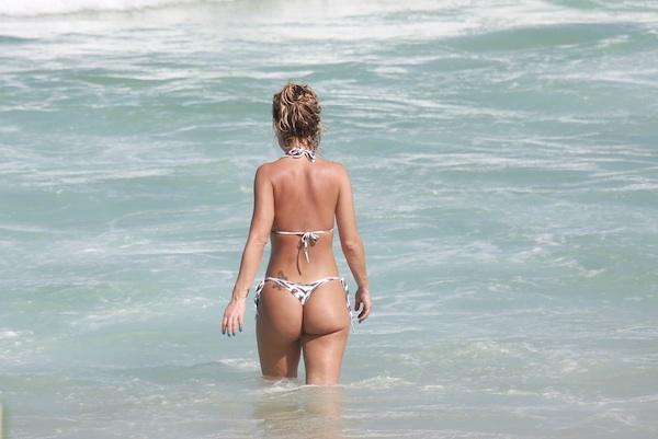 Metendo na praia