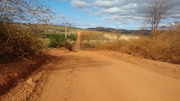 ... recuperação das estradas rurais do Município 402b18390d067