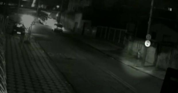 Resultado de imagem para Adolescente é colocada dentro de carro e estuprada