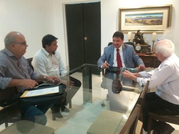 Governador Wellington Dias, Prefeito Quirino Avelino, Assessor Técnico Juarez leitão, Presidente da Câmara de Vereadores de Itaueira Francisco