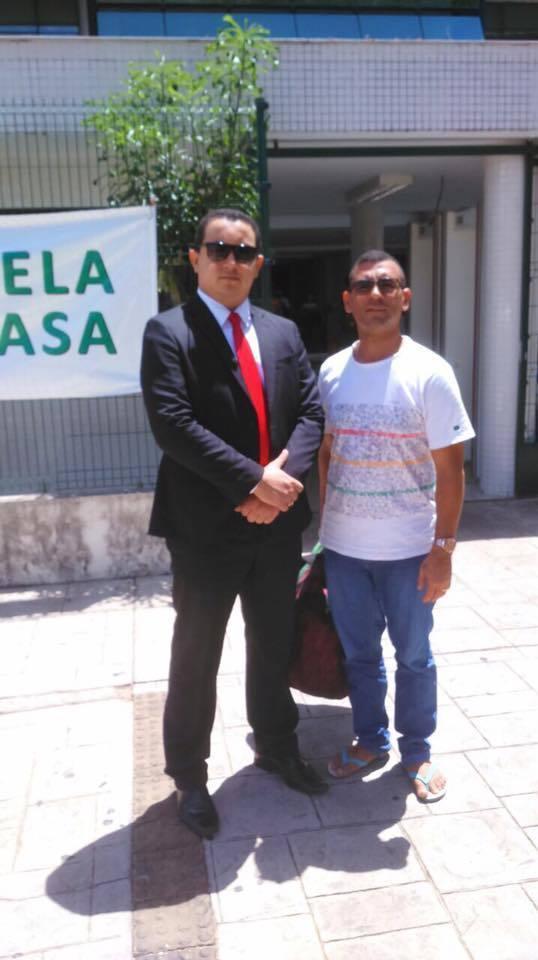 O advogado Raimundo Júnior e o seu ex 'passarinho'... Alexandre Gomes...