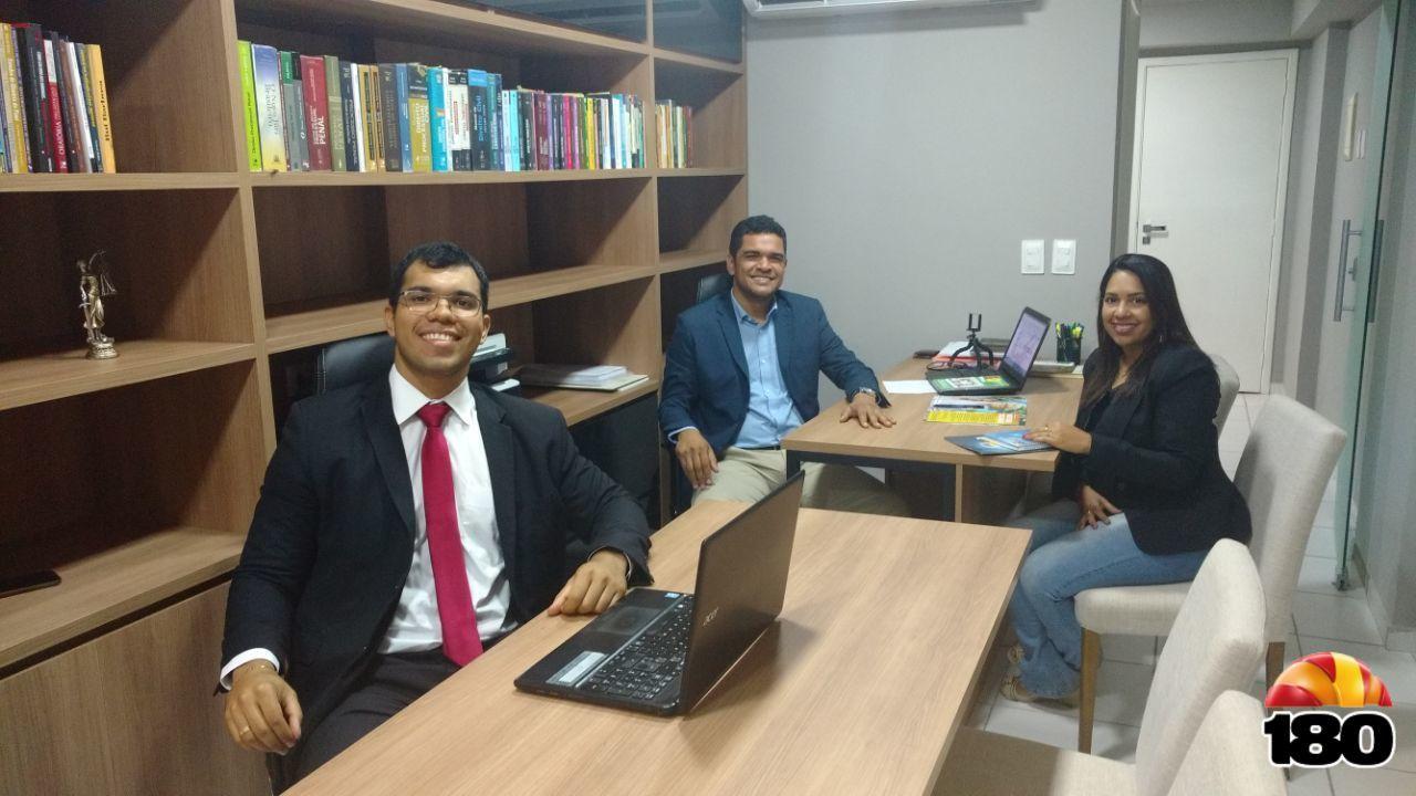 Advogados do escritório Barros Dias & Landim com a gerente Lorenna Ribeiro.