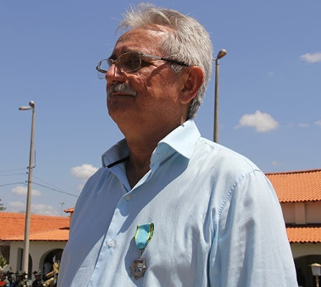 Prefeito Carlos Monte, de Barras