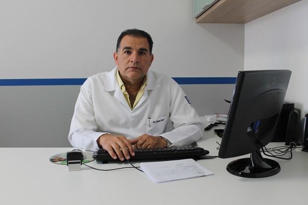 Dr. Flávio Santos