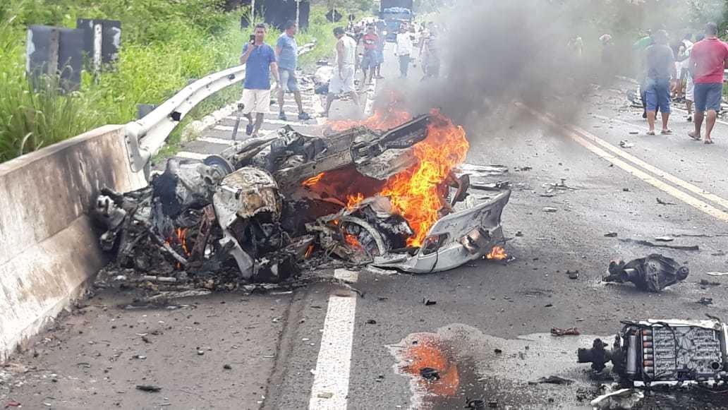 Veja quem são as vítimas do acidente na BR-343 que já deixou dois mortos c4361fdbe29fc