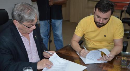 Reitor da UFPI e Secretário de Cultura do Piauí assinam Acordo de Cooperação