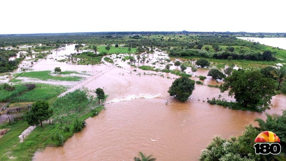 José de Freitas  estrutura das estradas é comprometida pelo volume de água 6ad07f60ede30