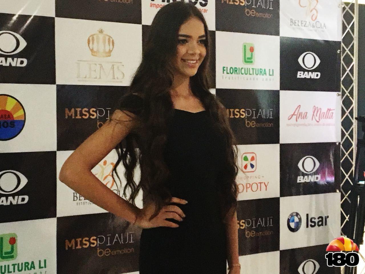 Estudante Junielle Fraenkelle Silva Santos, 19 anos