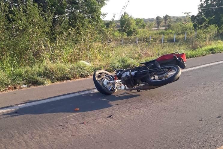 Colisão entre carro e motocicleta deixa vítima fatal na BR-343 90d2f7cea8e0d