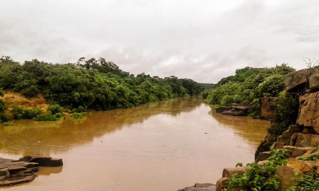 Rio Sambito mantém sua importância desse o período do Brasil Colônia, quando ganhou o nome original de Rio São Vitor