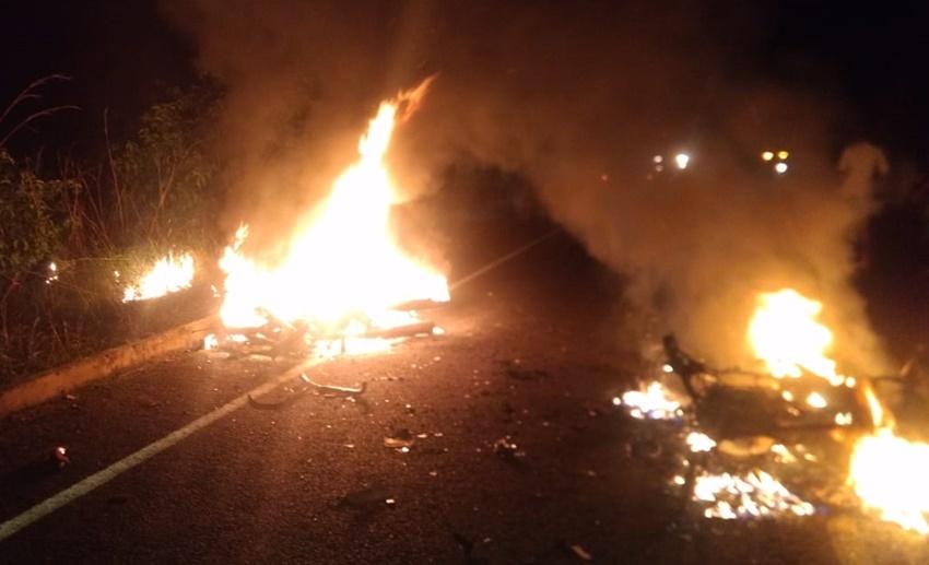 Colisão entre motocicletas deixa dois mortos em município do Piauí 23fb2e53e3490