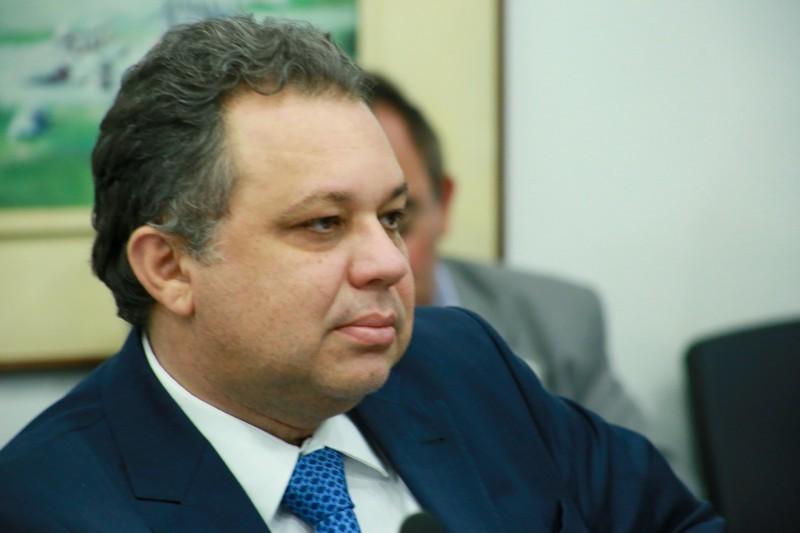 Florentino Neto, secretário de Saúde