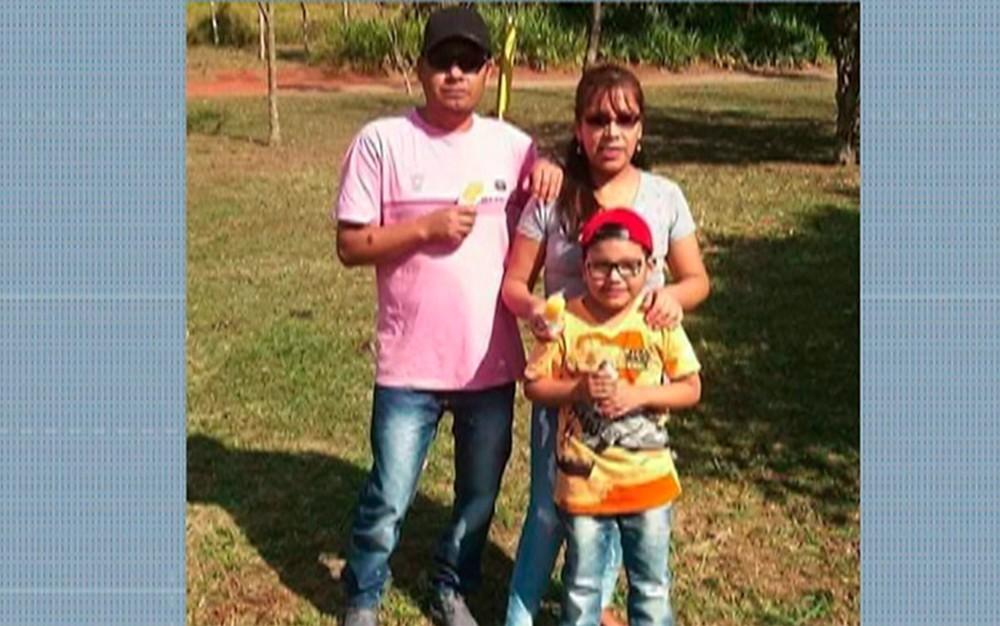 Resultado de imagem para Uma família de bolivianos foi encontrada morta e esquartejada em Itaquaquecetuba, na Grande São Paulo