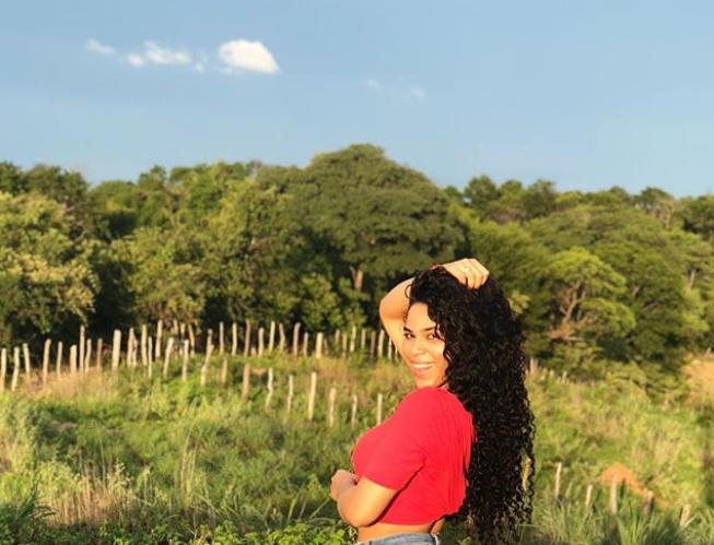 Elana em Nazaré do Piauí, sua terra natal