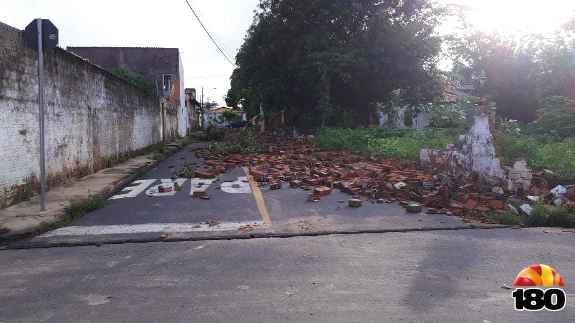3c04a6f24887 Chuva derruba muro de creche no Piauí - Portal WebNewss