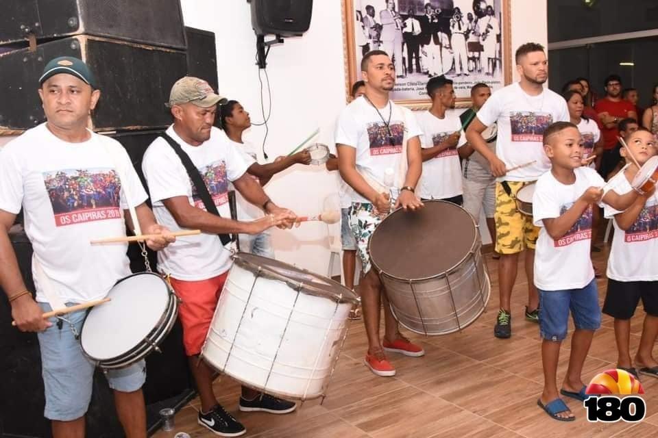 Escola de Samba Os Caipiras