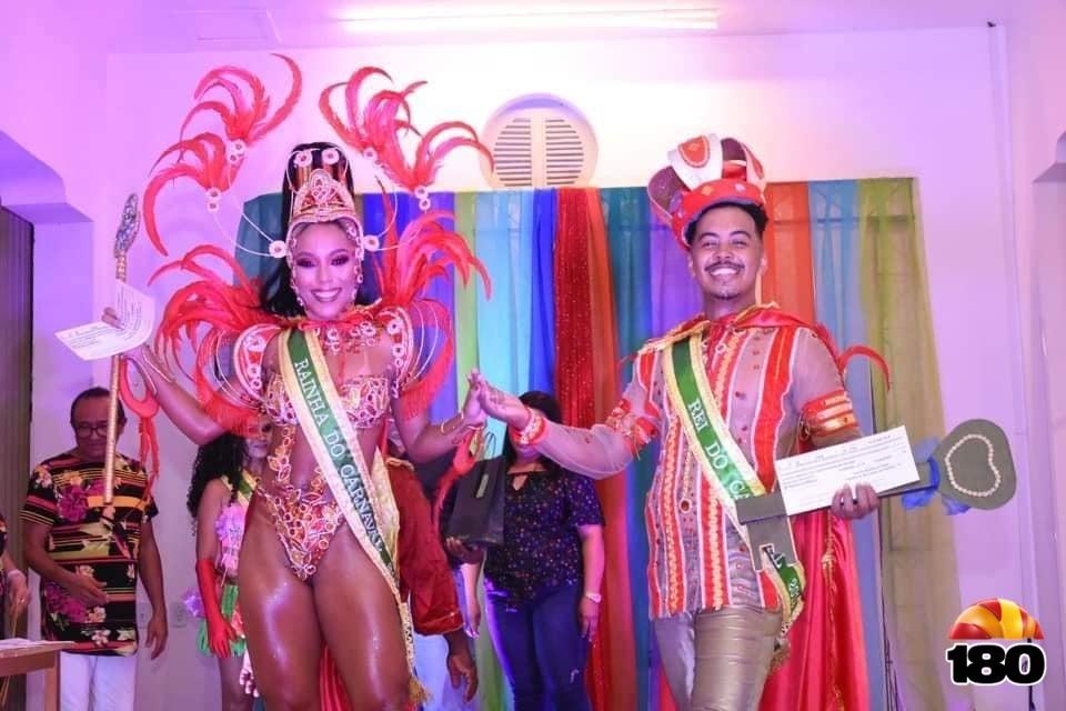 Rainha Raphaella e Rei Alex Carvalho