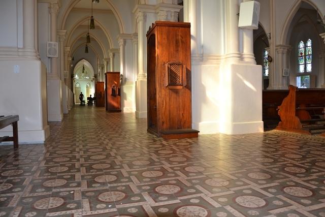 (Foto/ Portal O Povo/ Igreja ganhará confessionários climatizados)