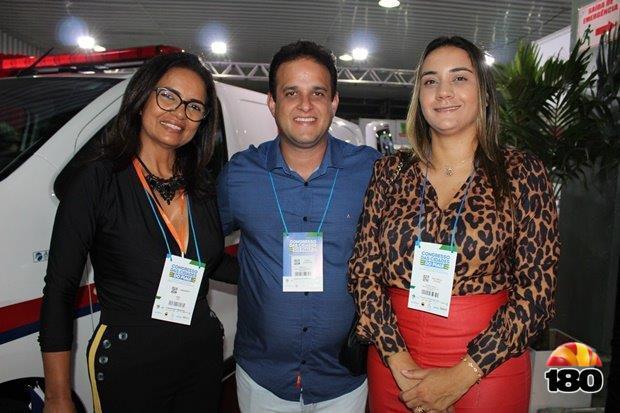 Prefeito Diego, primeira-dama Ana Tércia e amiga Margarete