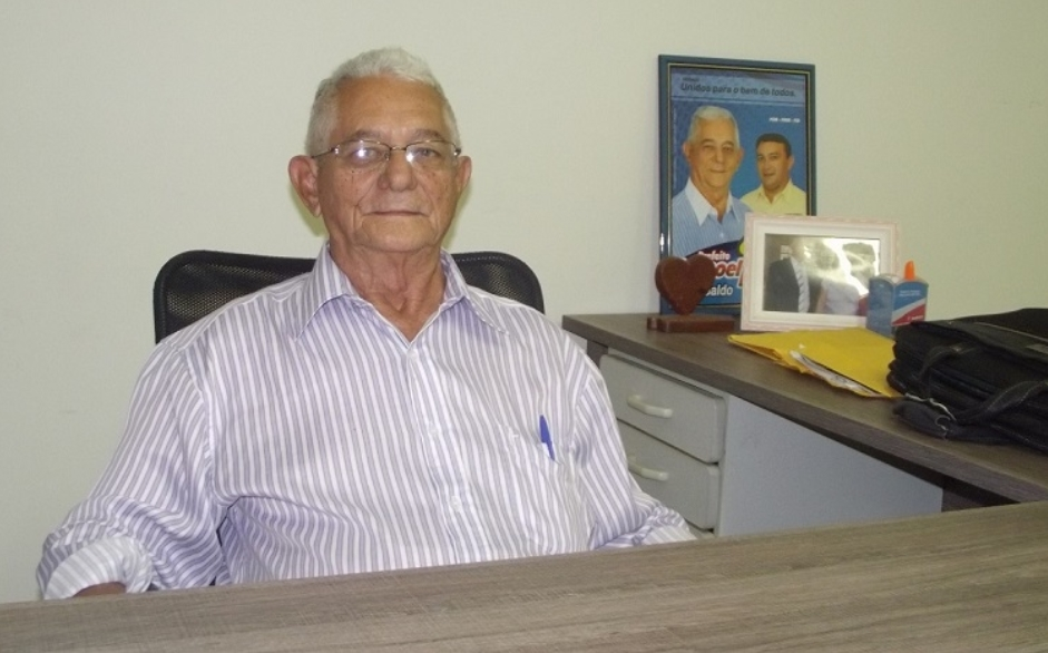 Ex-prefeito Manoel Emídio