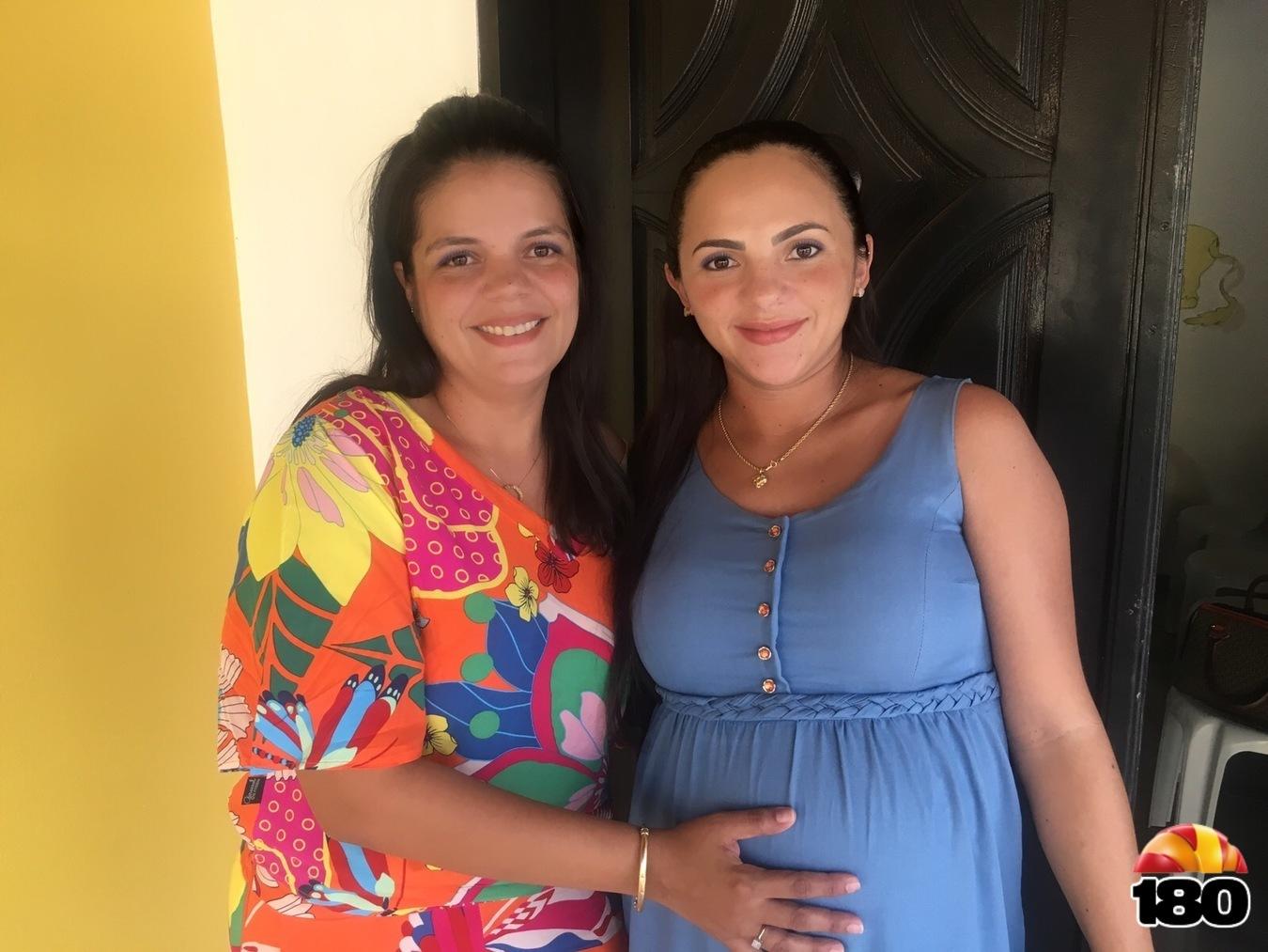 Psicóloga Sylana e secretária de Assistência Social, Leila Araújo
