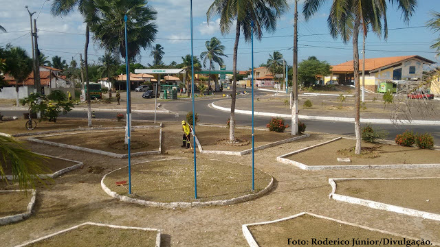 Limpeza retratada do Paço Municipal de Luís Correia