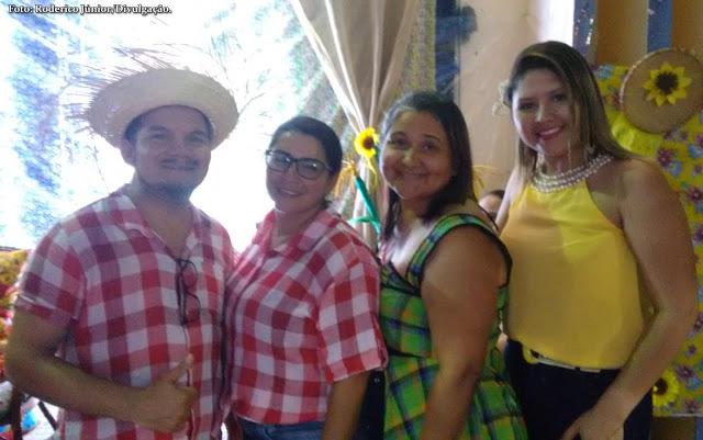 Membros da SEDES acompanhados pela ilustre primeira-dama Eulília Galeno; e por Ana Cecília, secretária de Desenvolvimento Social de Luís Correia.