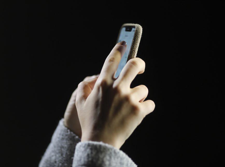 O fim da cobrança de roaming vai abranger serviços de voz (ligações em dispositivos fixos e móveis), envio de mensagens e dados de internet
