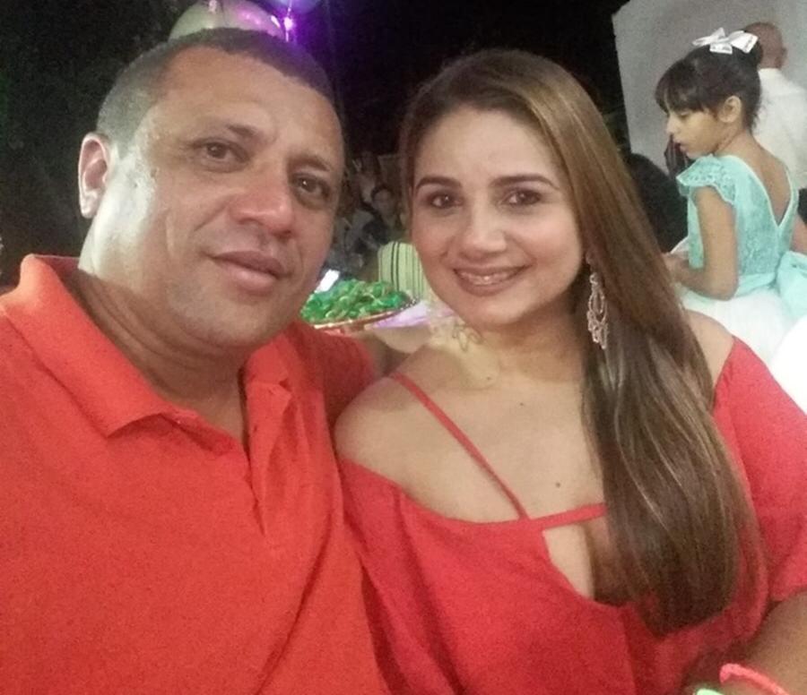 Willames Bomfim, sua esposa Vanessa Rodrigues