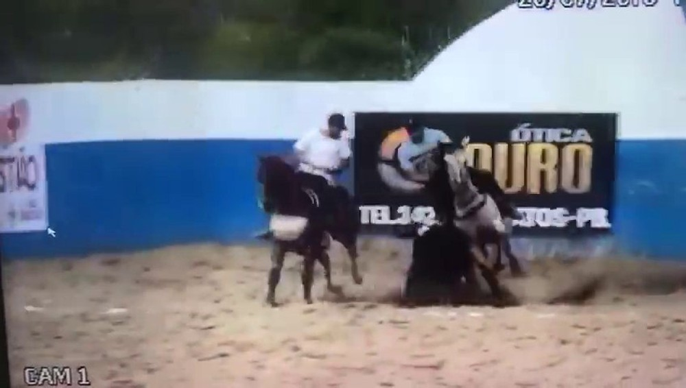 Empresário morreu depois que caiu do cavalo e o animal caiu por cima dele, em Catingueira