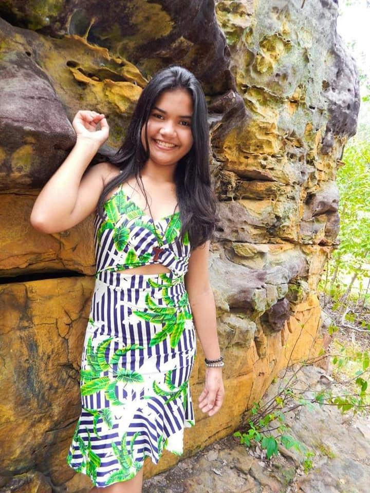 Ana Cristina, 15 anos.