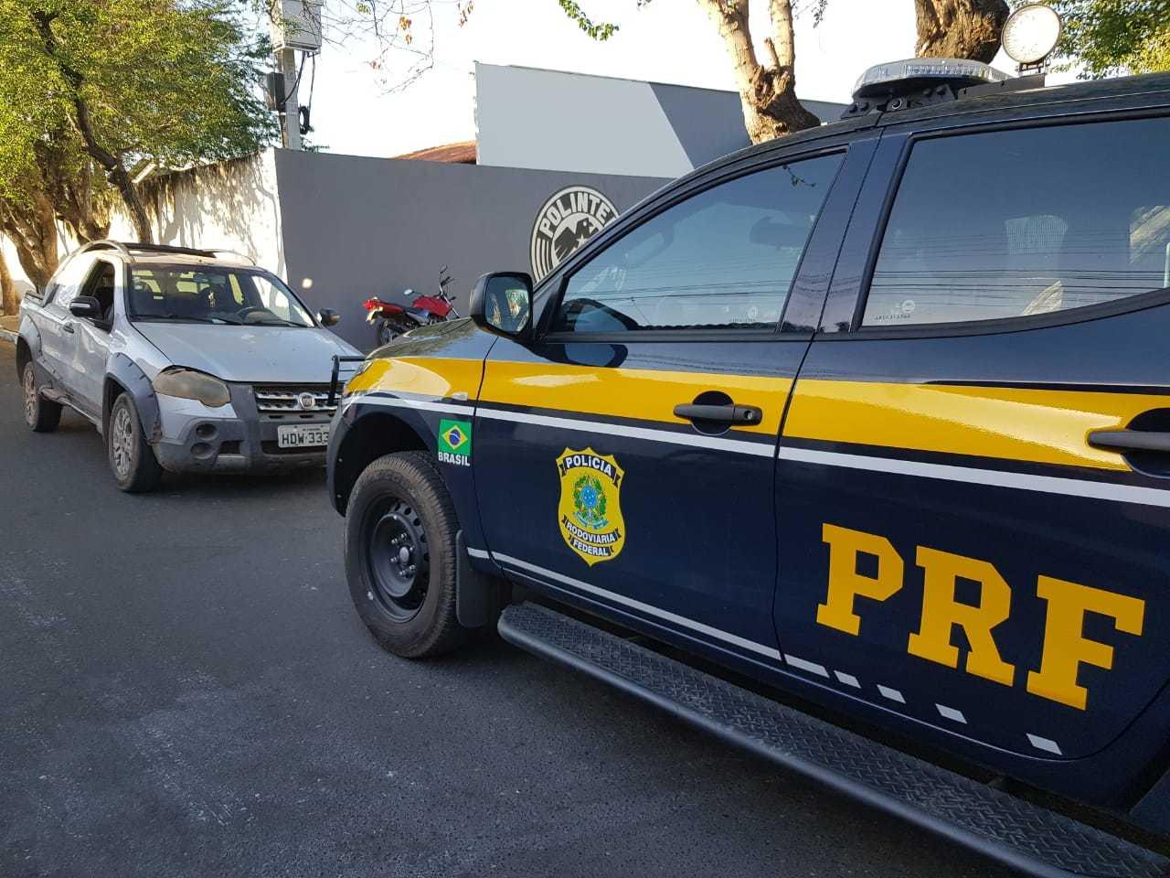 PRF e POLINTER recuperam veículo com placas clonadas na BR-343, em Teresina