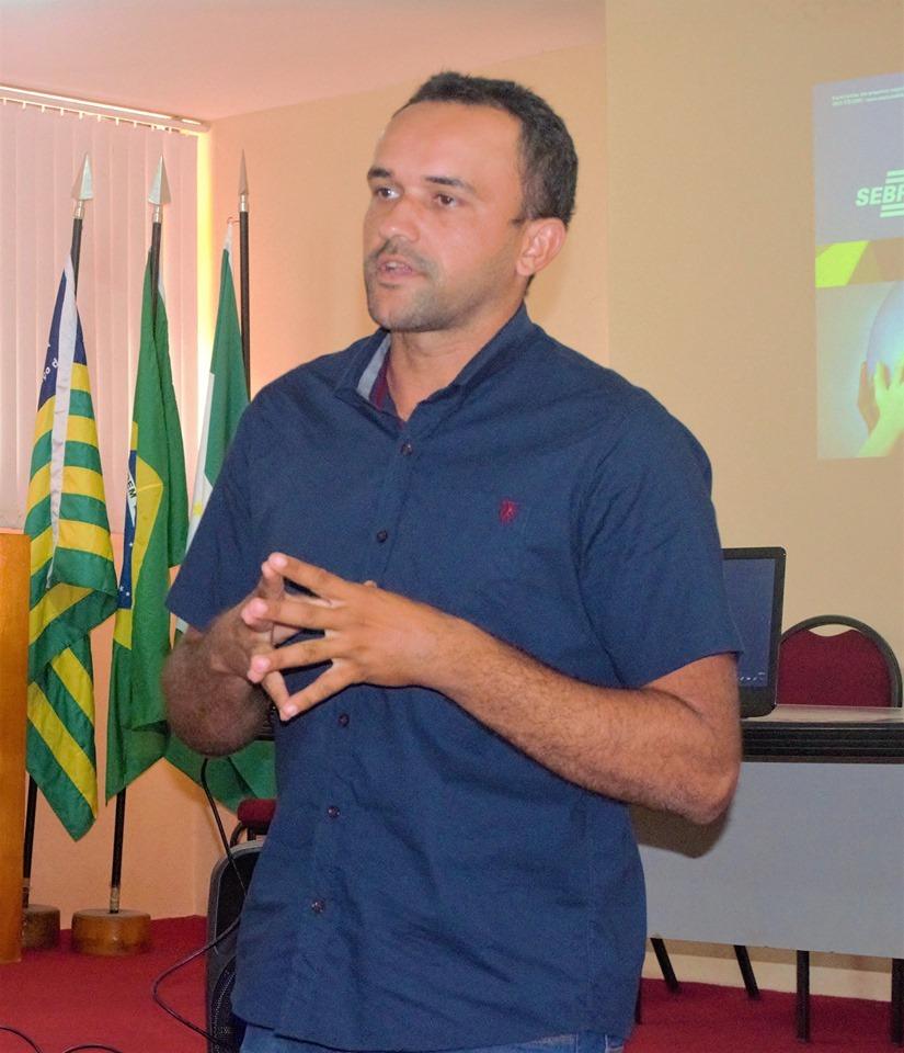 Secretário municipal do meio ambiente, Raysson Lopes.