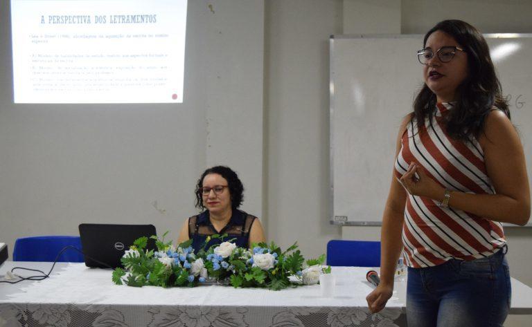 Professoras Amanda Cavalcante e Barbara Melo repassam seus conhecimentos para os ouvintes