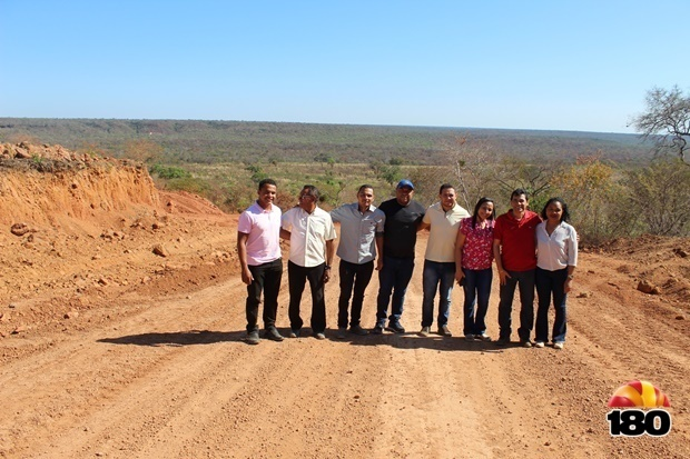 Visita a obra da estrada para assentamento São Bernardo
