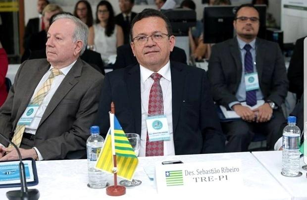 Desembargador Sebastião Ribeiro Martins