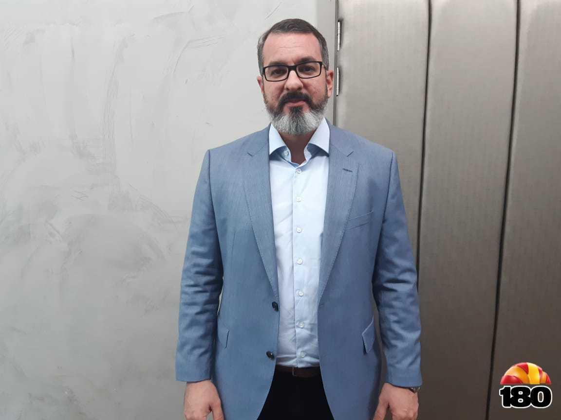 Advogado e palestrante Daniel Farias