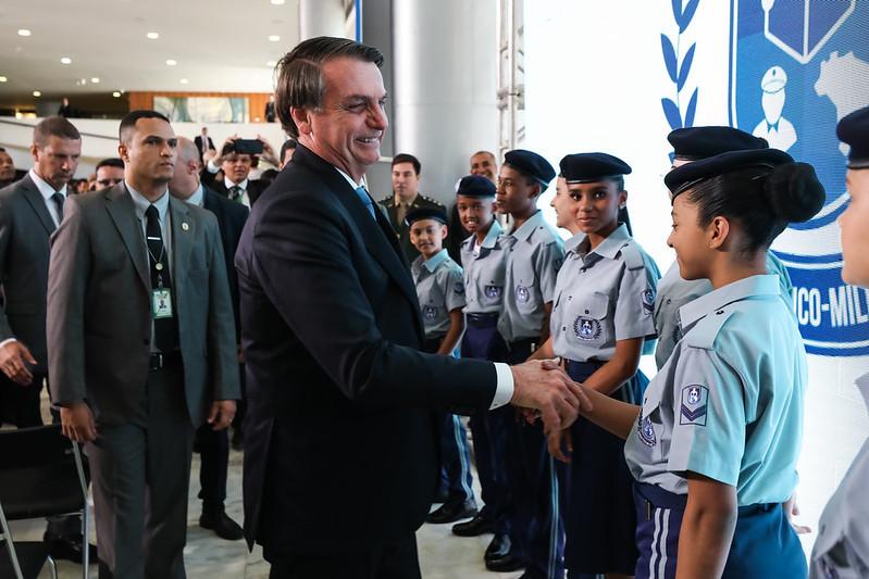 Programa Nacional das Escolas Cívico-Militares foi lançado em maio pelo governo federal