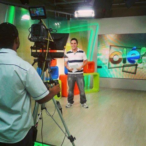 Egídio apresentando o esportivo 'Olé'
