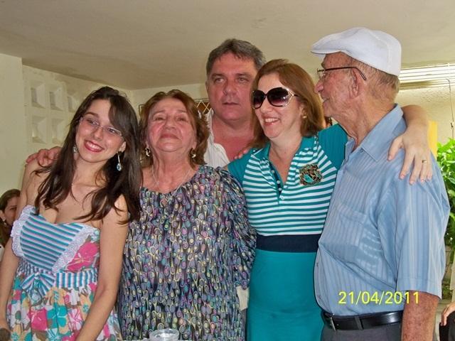 90 anos de Tenente Jaime, pai do Dr Gregório da Paz, foi comemorado com os amigos em 2011
