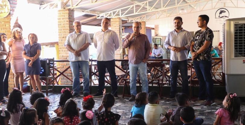 Prefeito participou de evento pelo Dia das Crianças na zona Norte de Teresina