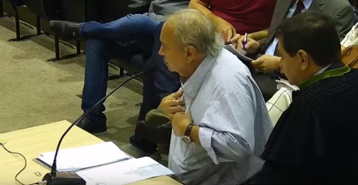 _Ex-gestor do IDEPI Alberto Monteiro durante sessão de julgamento no TCE: ele viu o que órgão técnico do TCE também viu: os malfeitos.