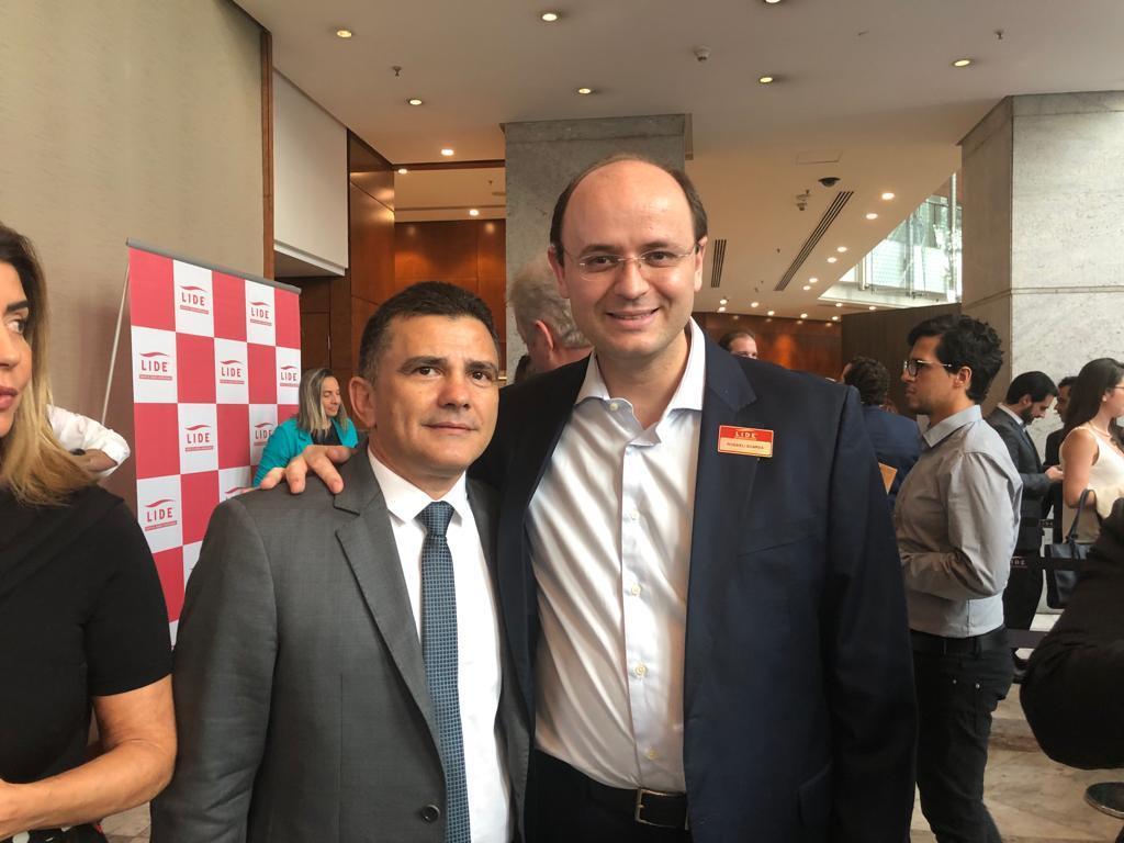 Osmar Vieira, Prefeito de Cocal dos Alves com oSecretário de Educação de São Paulo Rossieli Soares