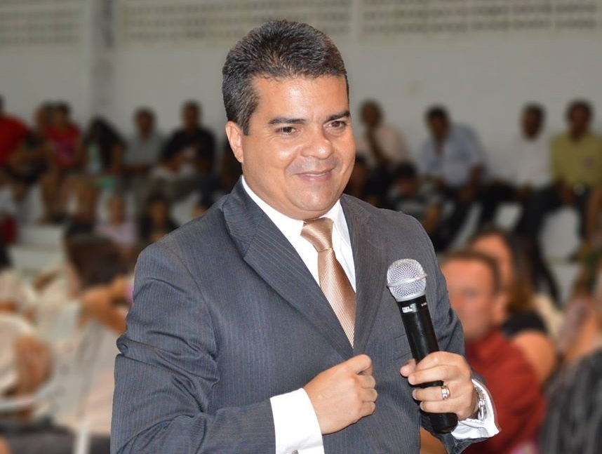 Pastor Gudson Costa