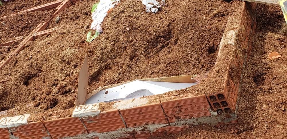 Túmulo foi violado nesta segunda (11) no cemitério do Rincão da Madalena