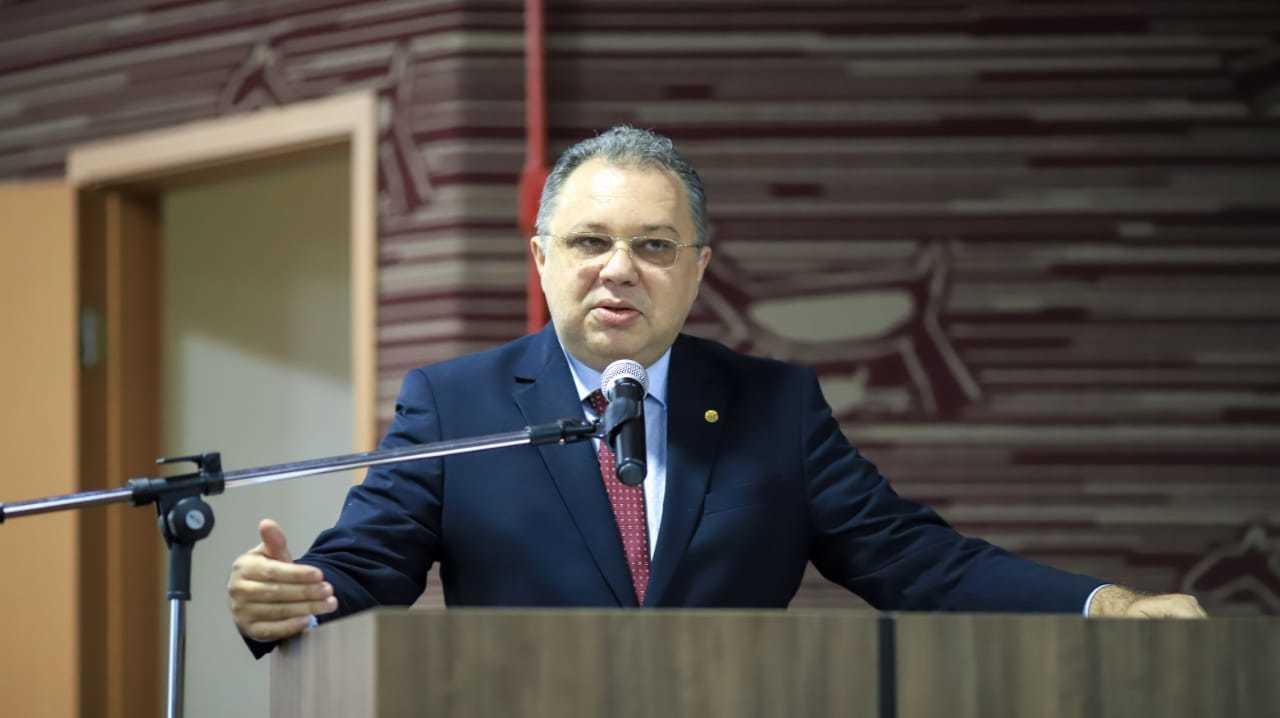 Secretário Florentino Neto