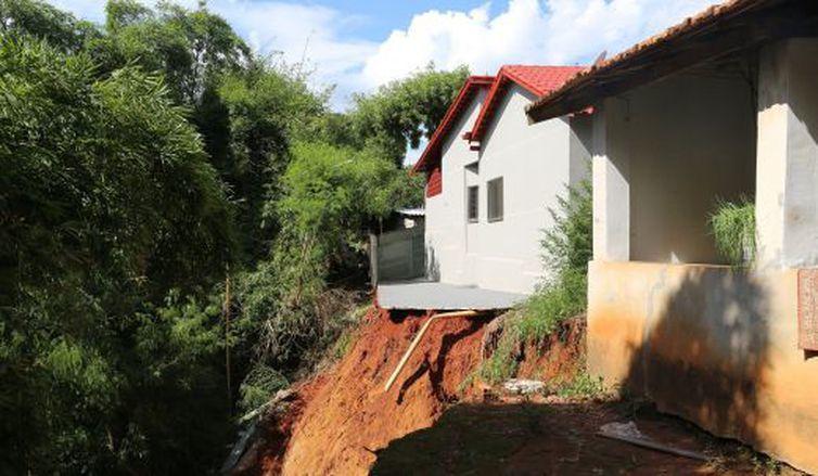 Segundo a prefeitura de Pontalina, pelo menos quatro residências da Rua Padre Primo foram condenadas e interditadas
