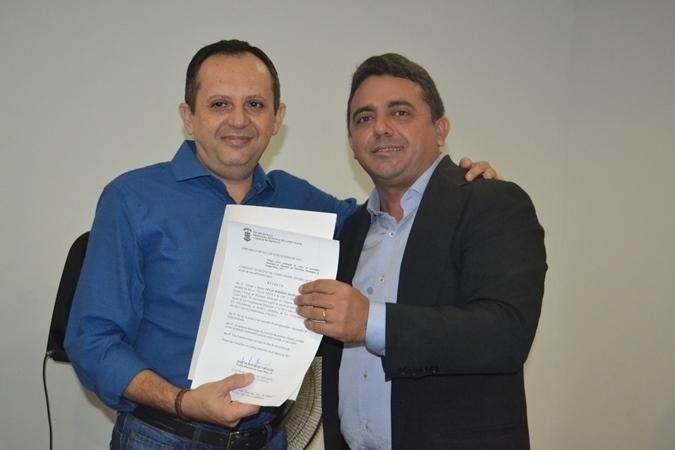 _O secretário de Finanças César Robério e o prefeito Ribinha