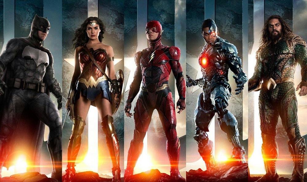 Ben Affleck, Jason Momoa, Gal Gadot, Ezra Miller, e Ray Fisher em Liga da Justiça (2017)